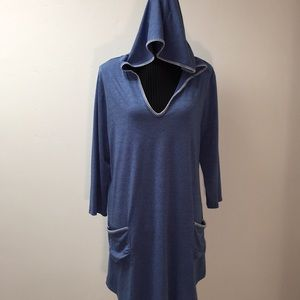 SanDiva beach coverup, with Hood and Pockets. XL